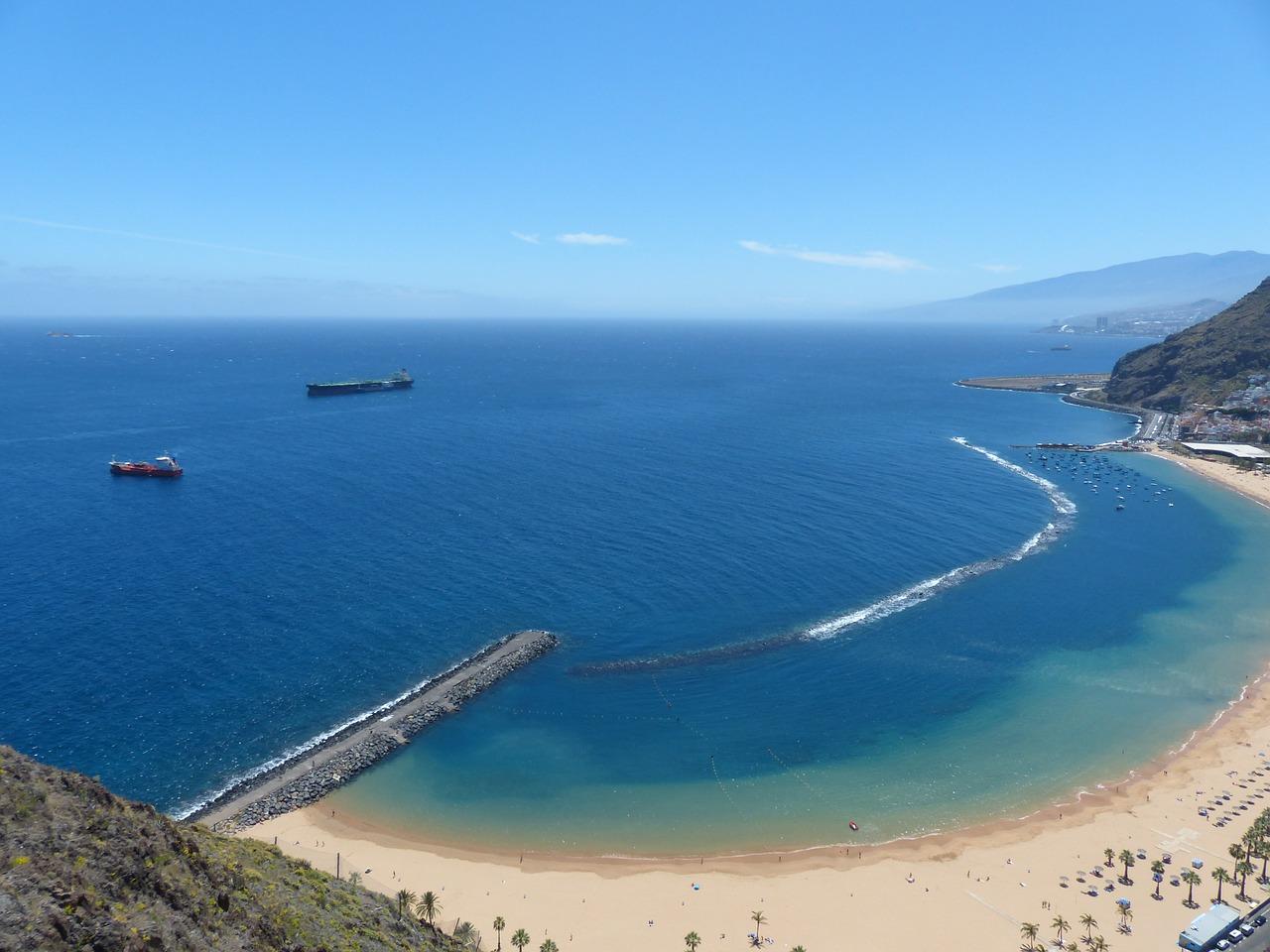 beach-406434_1280